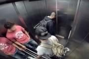 Επική φάρσα με διάρροια στο ασανσέρ