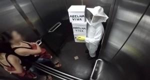 Φάρσα με «μέλισσες δολοφόνους» στο ασανσέρ (Video)