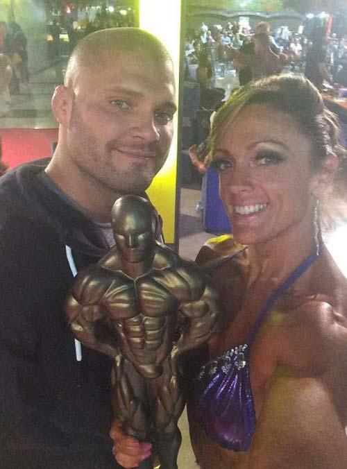 Μαμά της διπλανής πόρτας μεταμορφώθηκε σε πρωταθλήτρια του Bodybuilding (8)