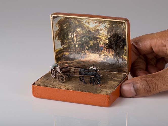Καλλιτέχνης δημιουργεί μικρά έργα τέχνης μέσα σε παλιά κουτιά δαχτυλιδιών (3)