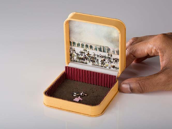Καλλιτέχνης δημιουργεί μικρά έργα τέχνης μέσα σε παλιά κουτιά δαχτυλιδιών (14)