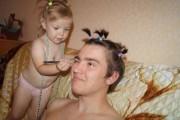 Μπαμπάδες που δεν μπορούν να πουν όχι στις κόρες τους (1)