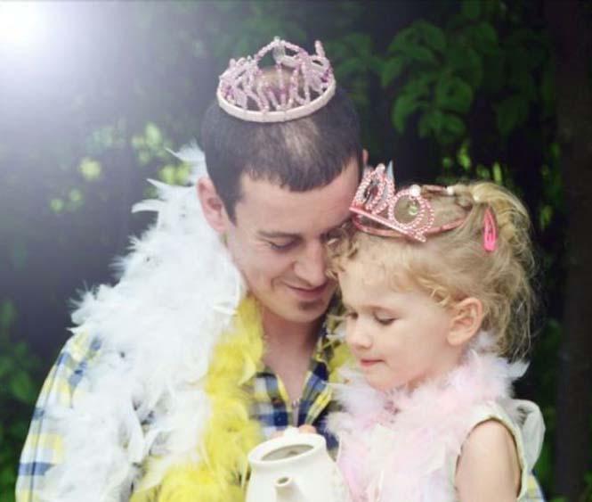 Μπαμπάδες που δεν μπορούν να πουν όχι στις κόρες τους (6)