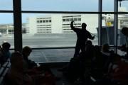 Ninja καθαριστής τζαμιών σε αεροδρόμιο