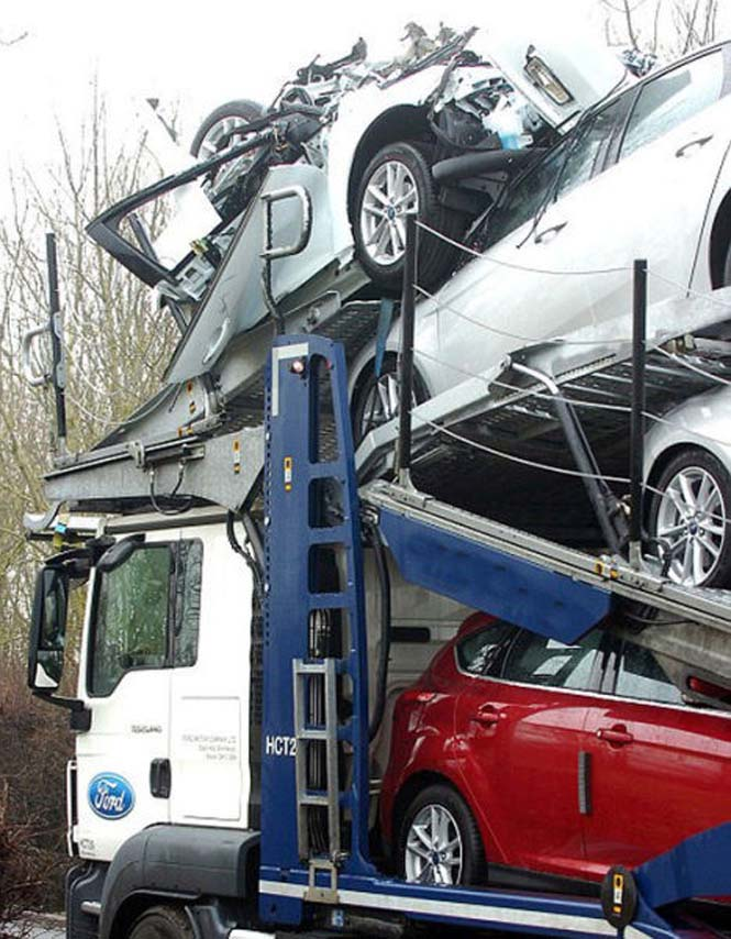 Οδηγός νταλίκας με καινούργια αυτοκίνητα μόλις εξασφάλισε την απόλυση του (7)