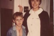 Η συγκινητική συνάντηση ενός άνδρα με τη νοσοκόμα που τον φρόντισε πριν 40 χρόνια (1)