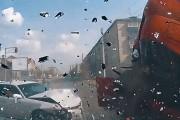 Συγκλονιστικά τροχαία ατυχήματα στη Ρωσία