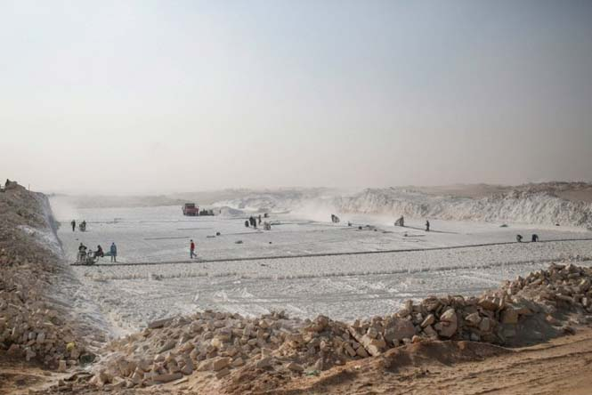 Οι εργάτες στα λατομεία ασβεστολίθου της Αιγύπτου έχουν ένα πολύ επικίνδυνο επάγγελμα (14)