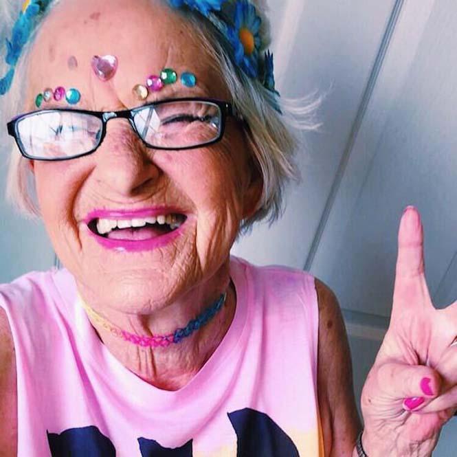 Η 86χρονη γιαγιά που έχει τρελάνει το Internet (5)
