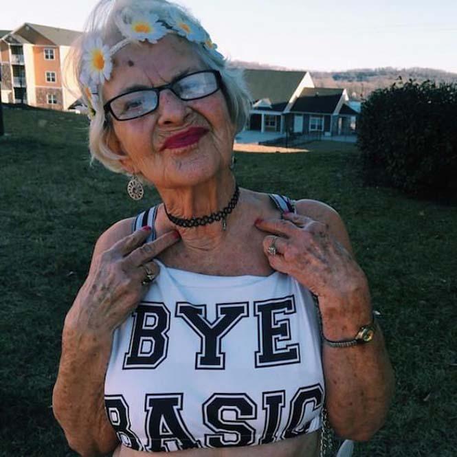 Η 86χρονη γιαγιά που έχει τρελάνει το Internet (7)