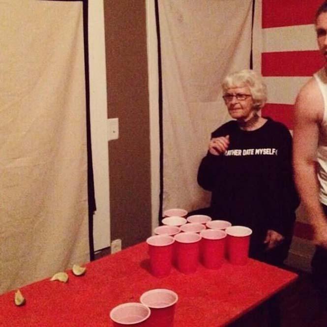 Η 86χρονη γιαγιά που έχει τρελάνει το Internet (10)