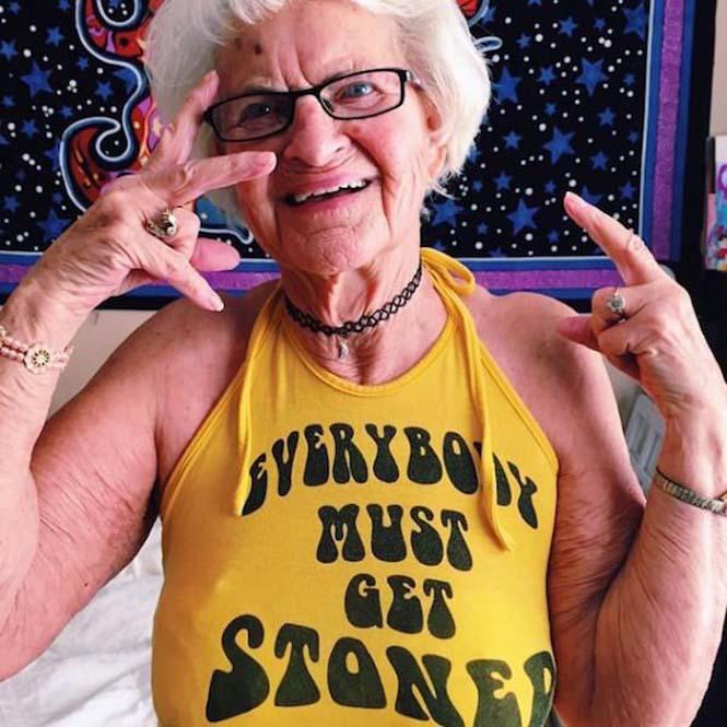 Η 86χρονη γιαγιά που έχει τρελάνει το Internet (11)