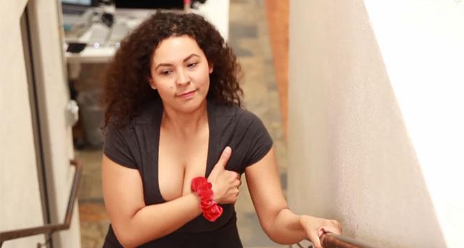 13 καθημερινά προβλήματα που έχουν οι γυναίκες με πλούσιο στήθος