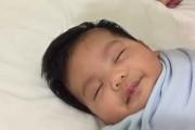 Κοιμίζοντας το μωρό με ένα απίστευτο κόλπο
