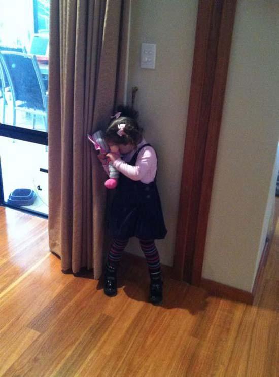 Παιδιά που δεν έχουν καταλάβει ακριβώς πως παίζεται το κρυφτό (12)