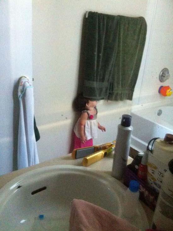 Παιδιά που δεν έχουν καταλάβει ακριβώς πως παίζεται το κρυφτό (28)