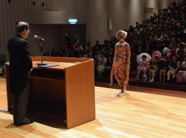 Πανεπιστήμιο στην Ιαπωνία έχει μοναδική τελετή αποφοίτησης (31)