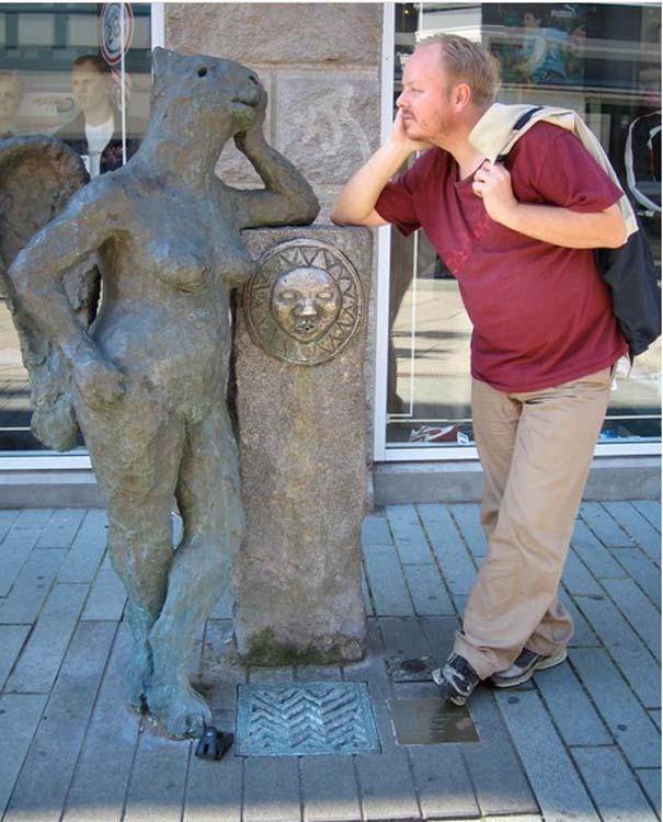 Ποζάροντας με αγάλματα #14 (3)