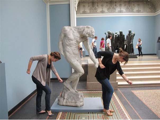 Ποζάροντας με αγάλματα #14 (4)