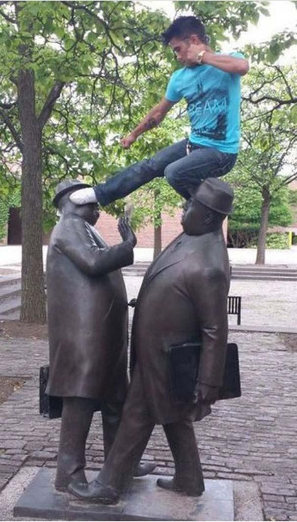 Ποζάροντας με αγάλματα #14 (5)