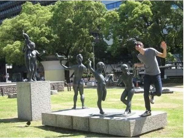Ποζάροντας με αγάλματα #14 (8)