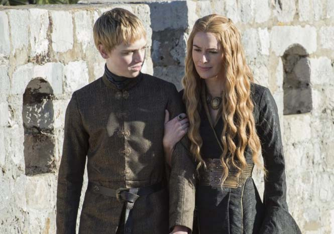 Πως άλλαξαν οι ηθοποιοί του Game of Thrones μέσα σε 5 χρόνια (15)