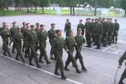 Στρατιώτες τραγουδούν το «Barbie girl»