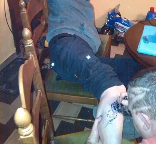 Αυτός ο Βέλγος tattoo artist ίσως είναι ο χειρότερος στον κόσμο (5)