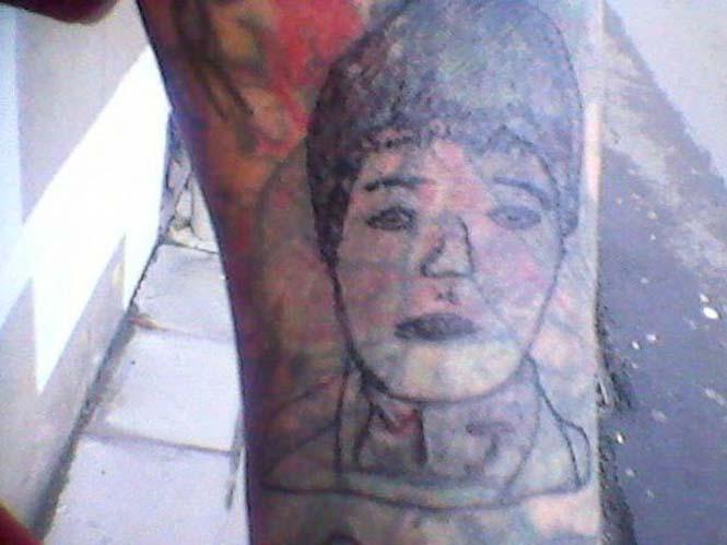 Αυτός ο Βέλγος tattoo artist ίσως είναι ο χειρότερος στον κόσμο (14)