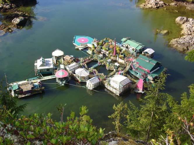 Ζευγάρι κατασκεύασε το δικό του νησί (2)