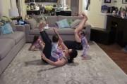 Κάπως έτσι είναι η προσπάθεια για γυμναστική όταν έχεις 3 παιδιά