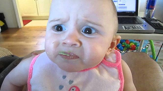 Η ξεκαρδιστική αντίδραση ενός μωρού στη γεύση του αβοκάντο