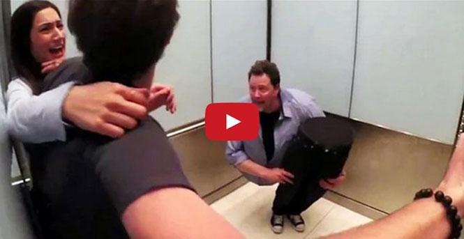 Μάγος «κόβεται» στη μέση μέσα σε ασανσέρ και σπέρνει τον πανικό
