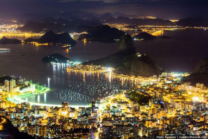 Το νυχτερινό Ρίο από ψηλά   Φωτογραφία της ημέρας