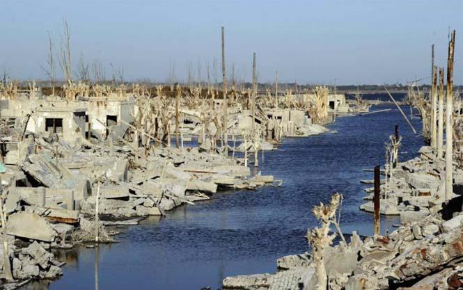Η πόλη που έμεινε 25 χρόνια κάτω από το νερό (10)