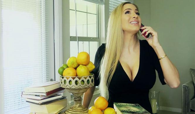 Πράγματα που δεν μπορεί να κάνει μία γυναίκα με πλούσιο στήθος