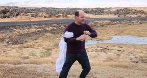 Προσπαθώντας να πιεις νερό σε θυελλώδεις ανέμους (Video)