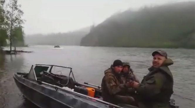 Απλά μια συνηθισμένη μέρα για ψάρεμα στην Ρωσία