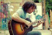 Beat it με ακουστική κιθάρα