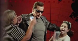 Ο Arnold Schwarzenegger έκανε φάρσα στους θαυμαστές του ως Εξολοθρευτής (Video)