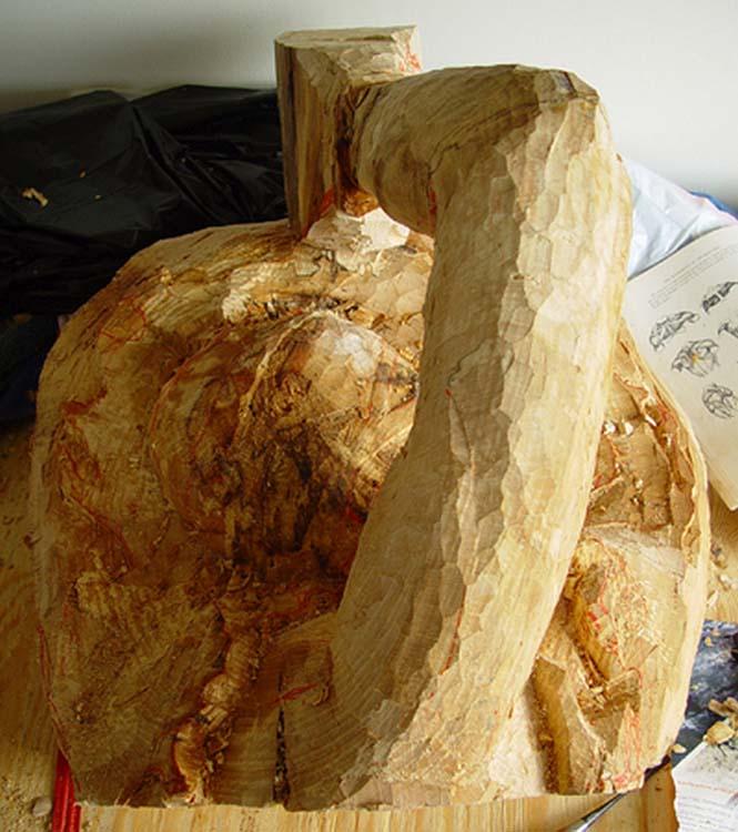 Γλύπτης μετέτρεψε κομμάτι ξύλου σε κάτι εκπληκτικό (7)