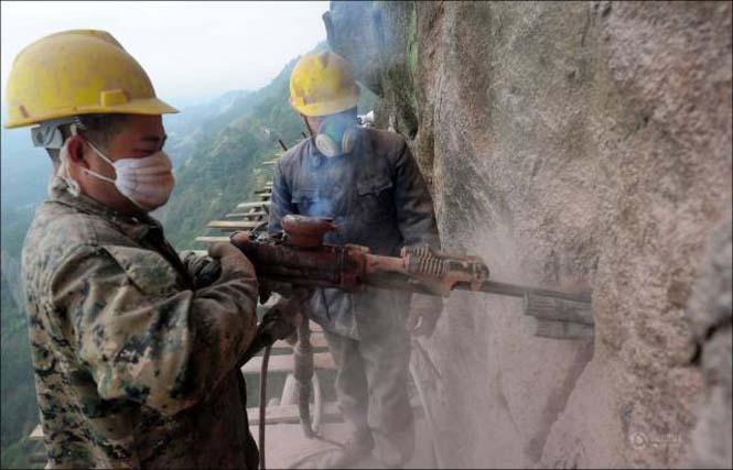 Κατασκευάζοντας ένα ορεινό μονοπάτι στην Κίνα (4)