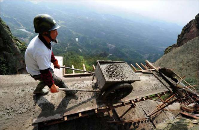 Κατασκευάζοντας ένα ορεινό μονοπάτι στην Κίνα (6)