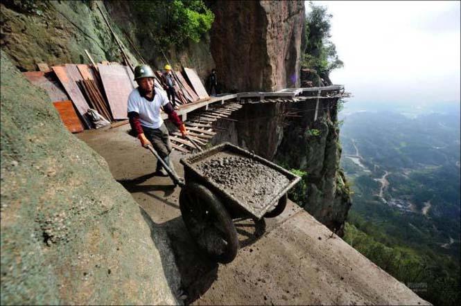 Κατασκευάζοντας ένα ορεινό μονοπάτι στην Κίνα (8)
