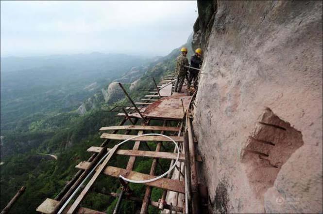 Κατασκευάζοντας ένα ορεινό μονοπάτι στην Κίνα (10)