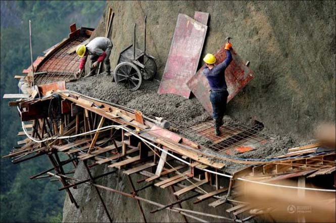 Κατασκευάζοντας ένα ορεινό μονοπάτι στην Κίνα (11)