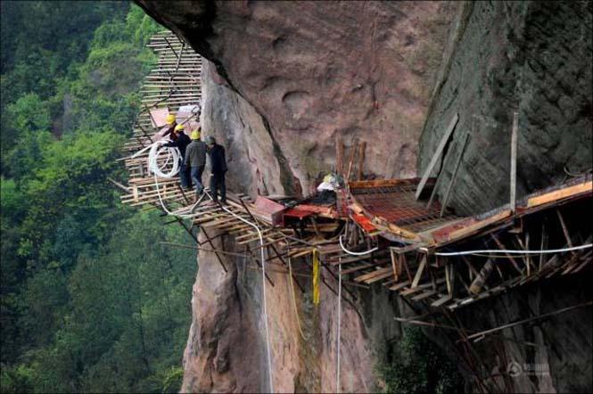 Κατασκευάζοντας ένα ορεινό μονοπάτι στην Κίνα (12)