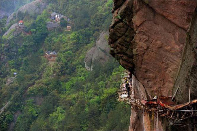 Κατασκευάζοντας ένα ορεινό μονοπάτι στην Κίνα (13)