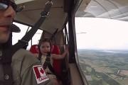 Μπαμπάς παίρνει την 4χρονη κόρη του στην πρώτη της αεροβατική πτήση