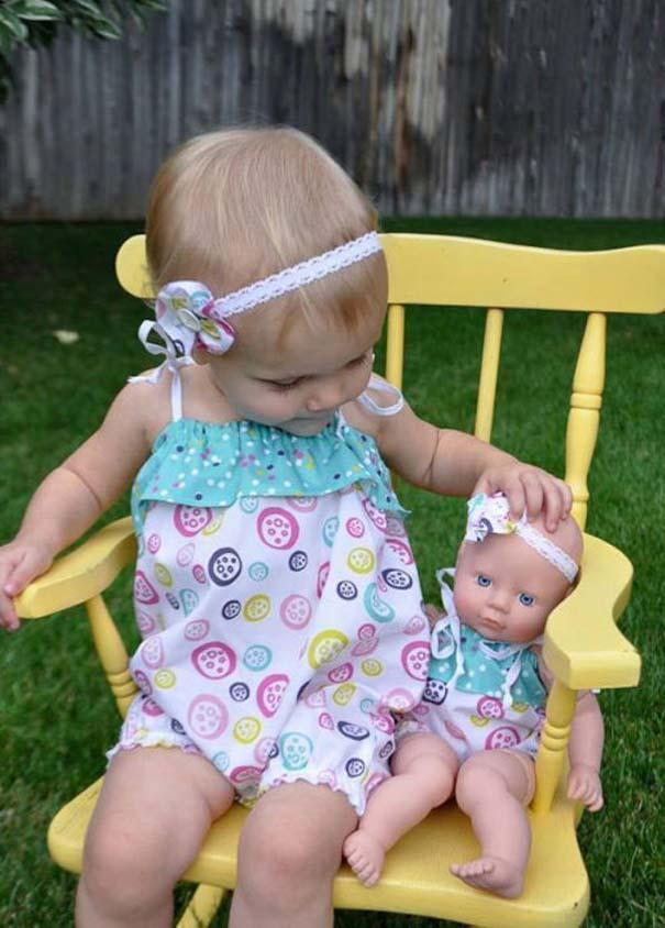Μωρά που μοιάζουν με τις κούκλες τους (2)